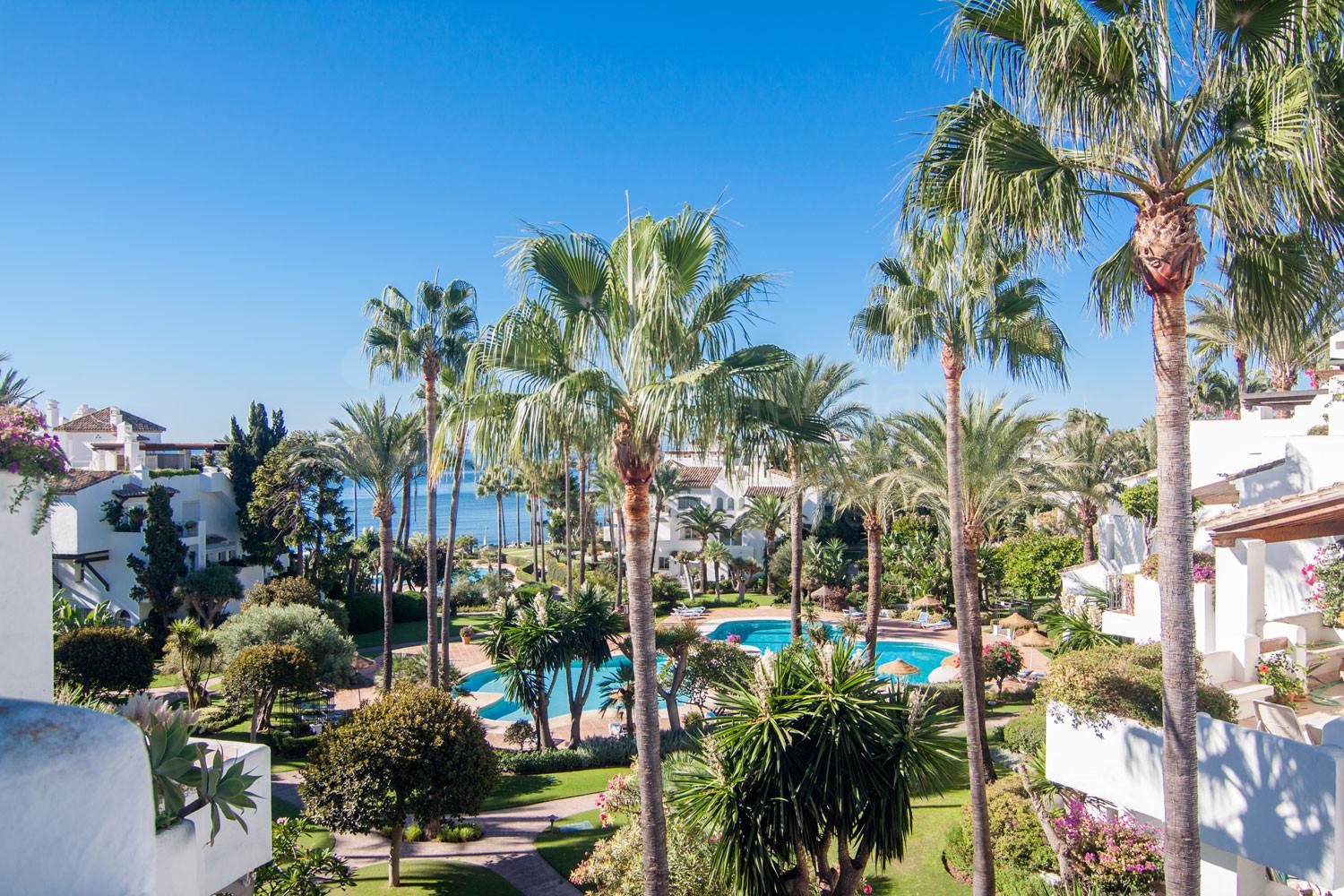 2-bedroom duplex penthouse apartment with sea views for sale in Alcazaba Beach, Estepona