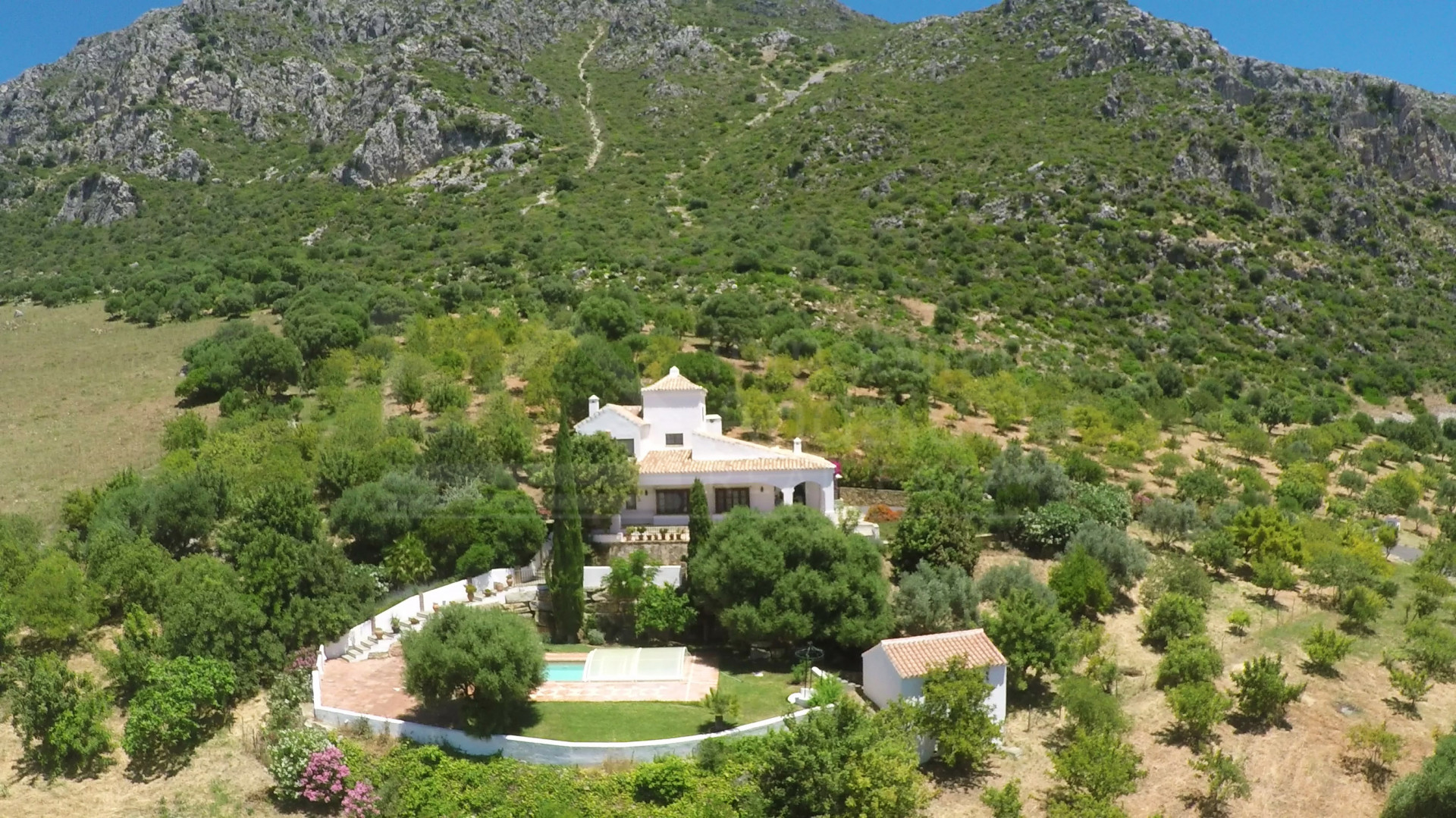 Charming 4 bedroom country villa in a dream location near Casares