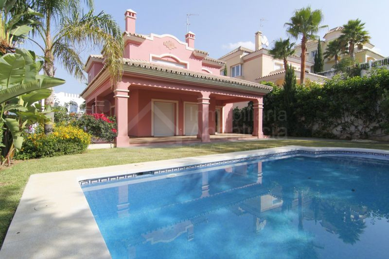 New modern golf villa for sale in Guadalmina Alta San Pedro de Alcantara