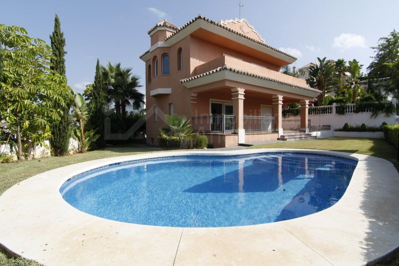 New 4 bedroom villa for sale in Guadalmina Alta San Pedro de Alcantara