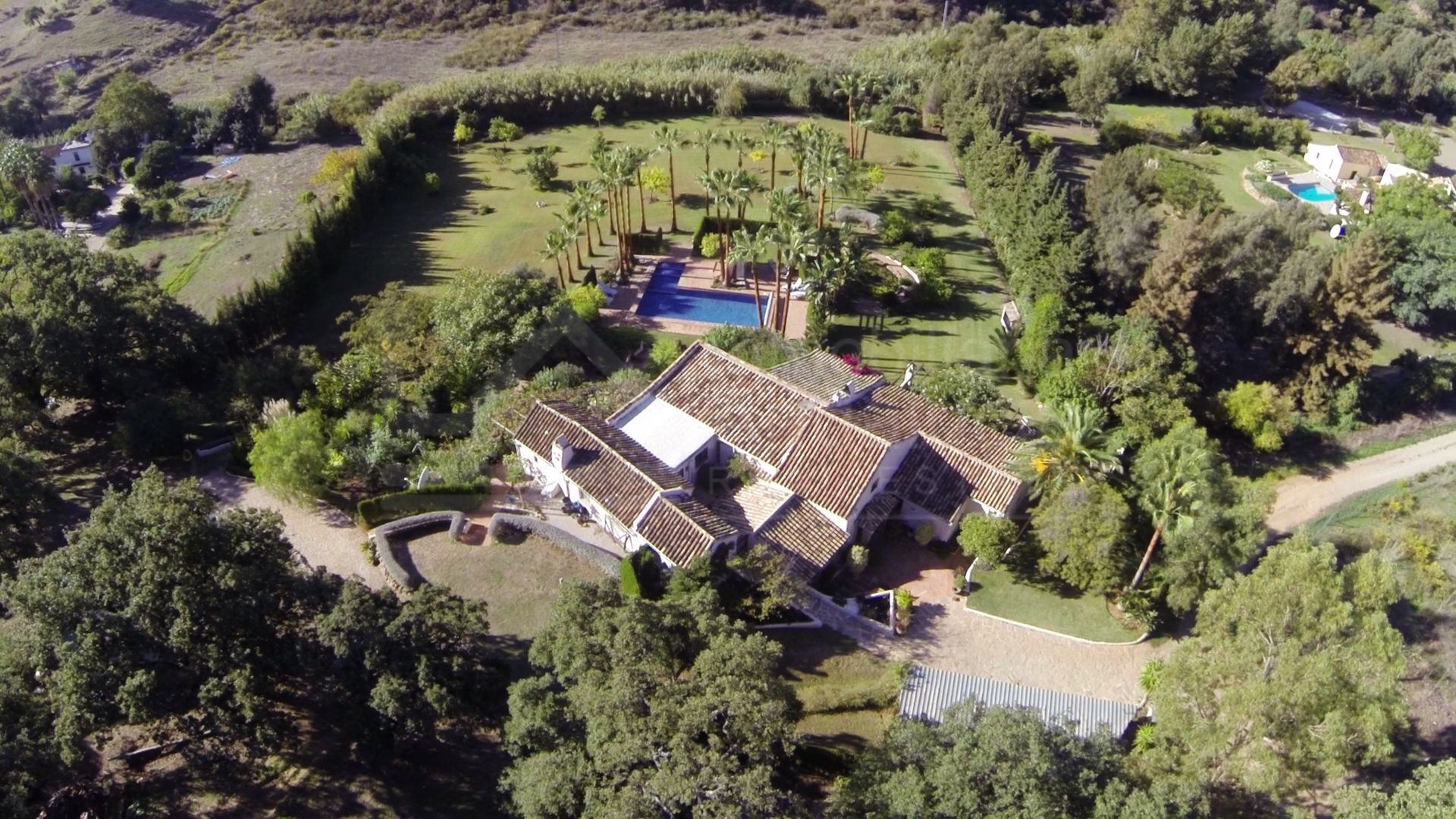 Renovated 4-bedroom country house for sale in La Acedia, Casares