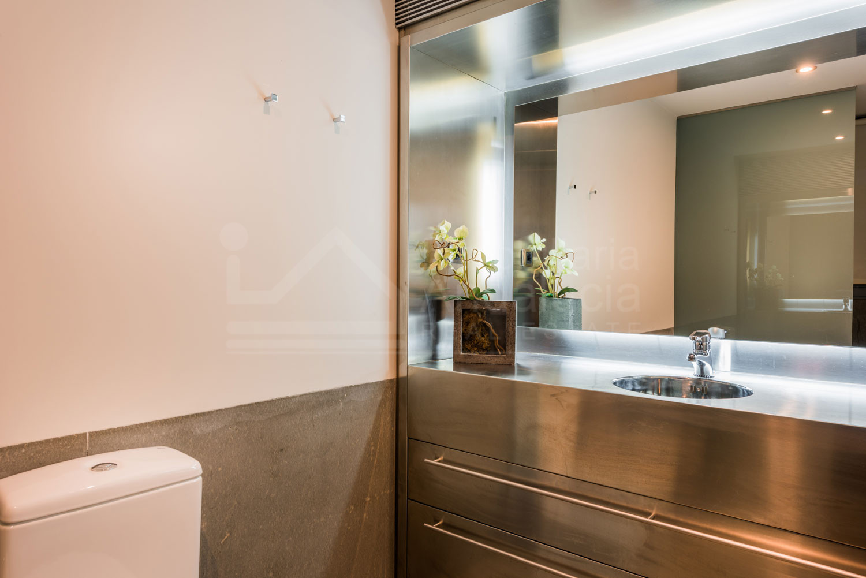 Villa de 7 dormitorios de estilo futurista en venta, Los Flamingos, Benahavis