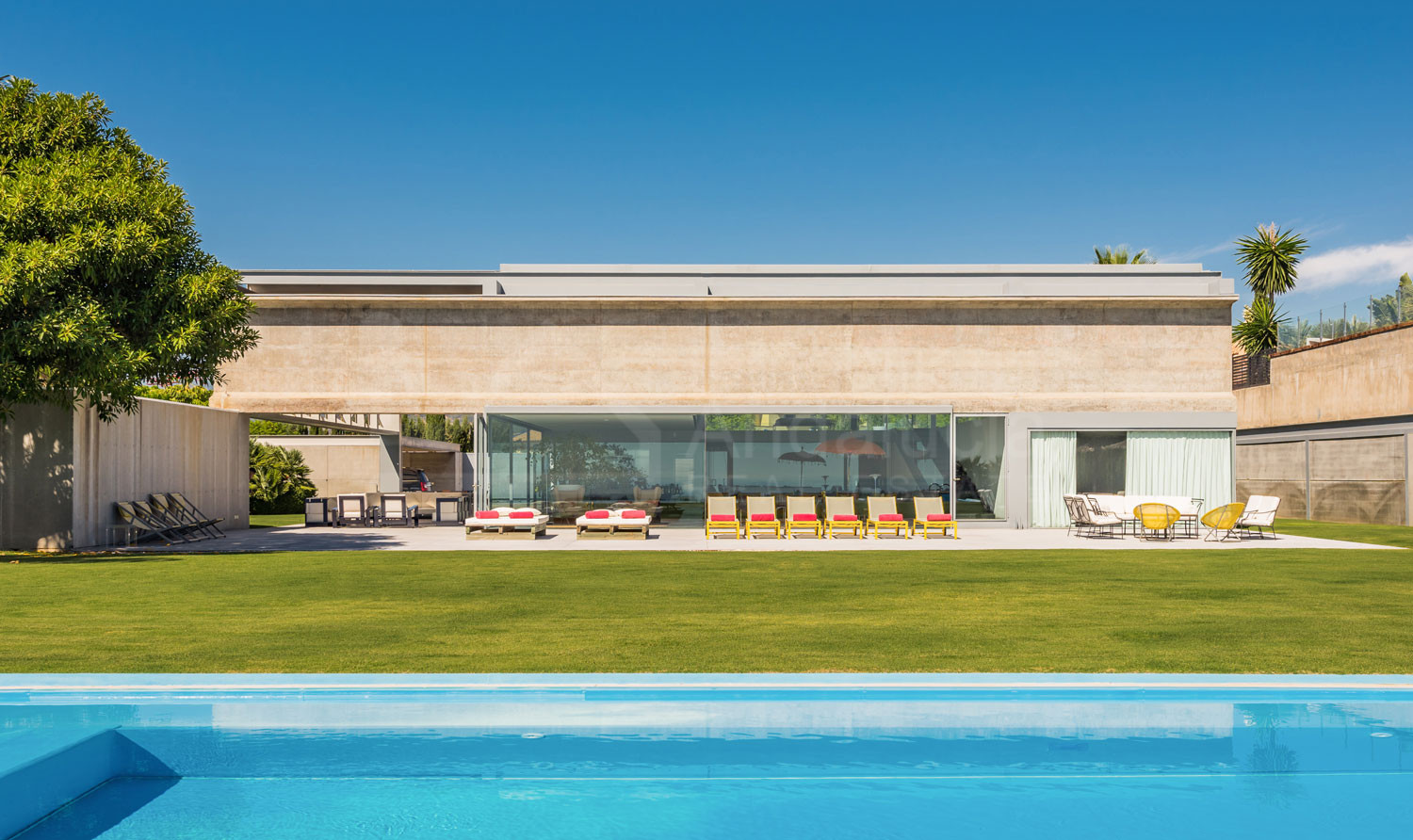 Futuristic style 7 bedroom villa for sale in Los Flamingos Golf, Benahavis