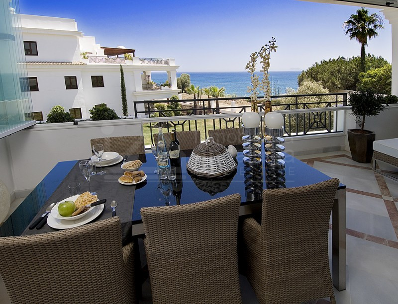 Superior quality 2 bed apartment by the beach for sale in Estepona