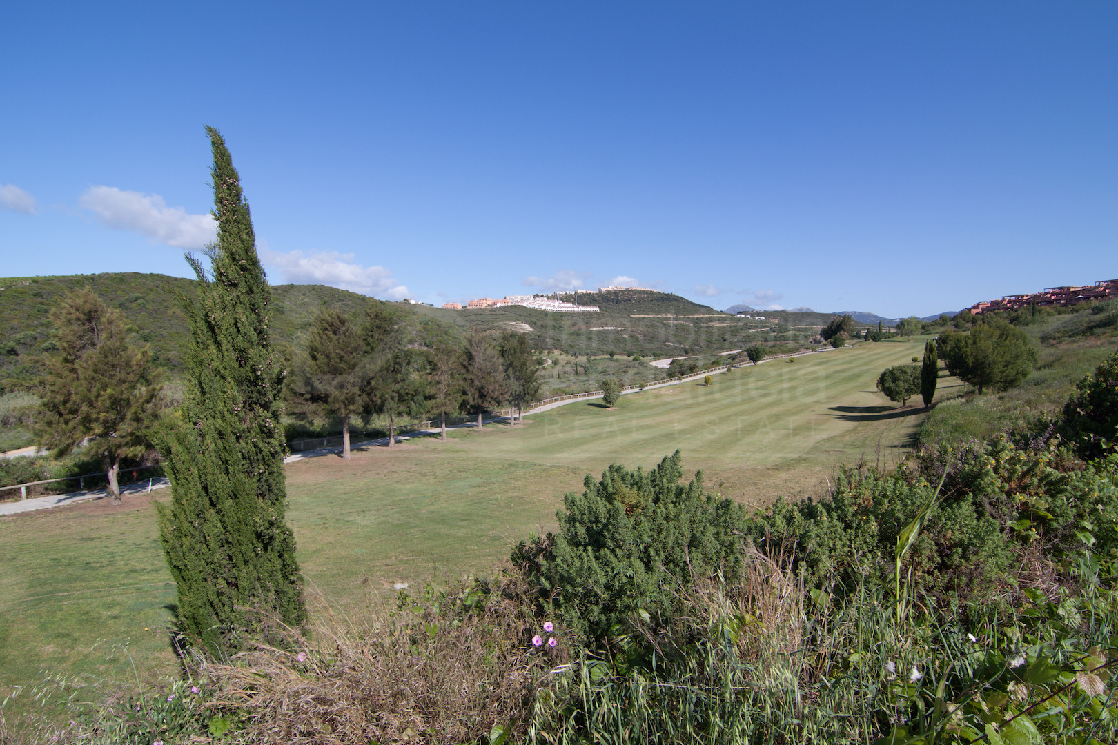 688m2 golf villa plot for sale with permission to build in Casares