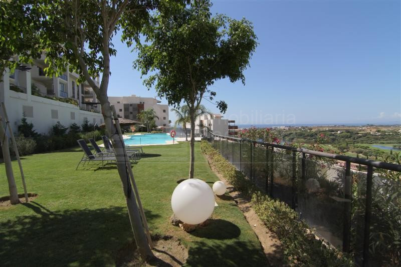 Ground floor apartment with large terrace and views Los Flamingos Golf Benahavis