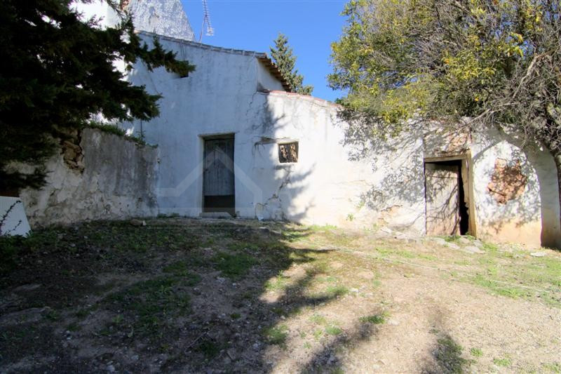 Old farmhouse, needs renovating, ideal for horses for sale in Gaucin