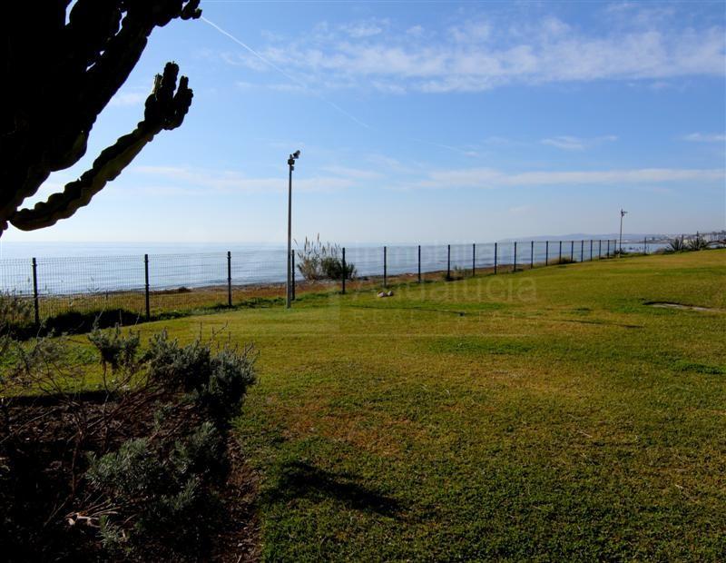Beachside duplex apartment for sale in Riviera Andaluza, Estepona