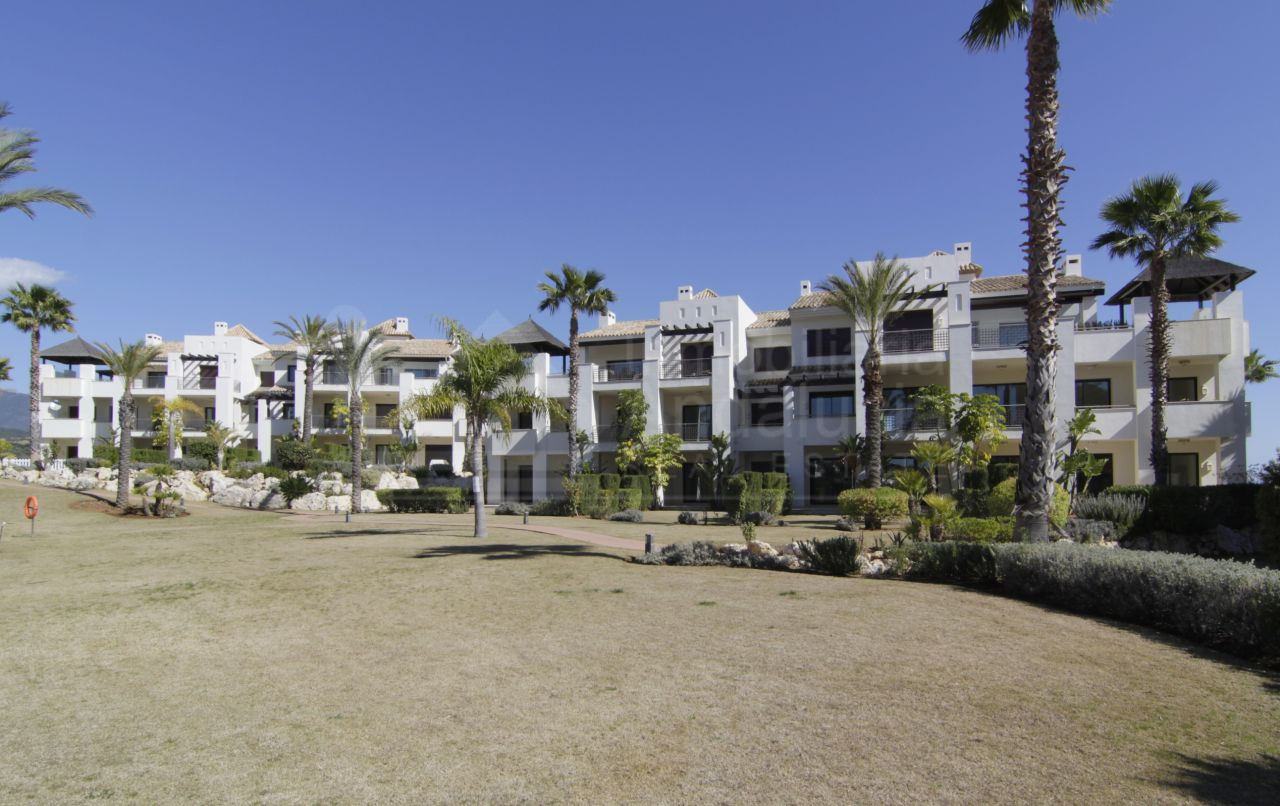 2 bedroom apartment for sale in El Paraiso Estepona