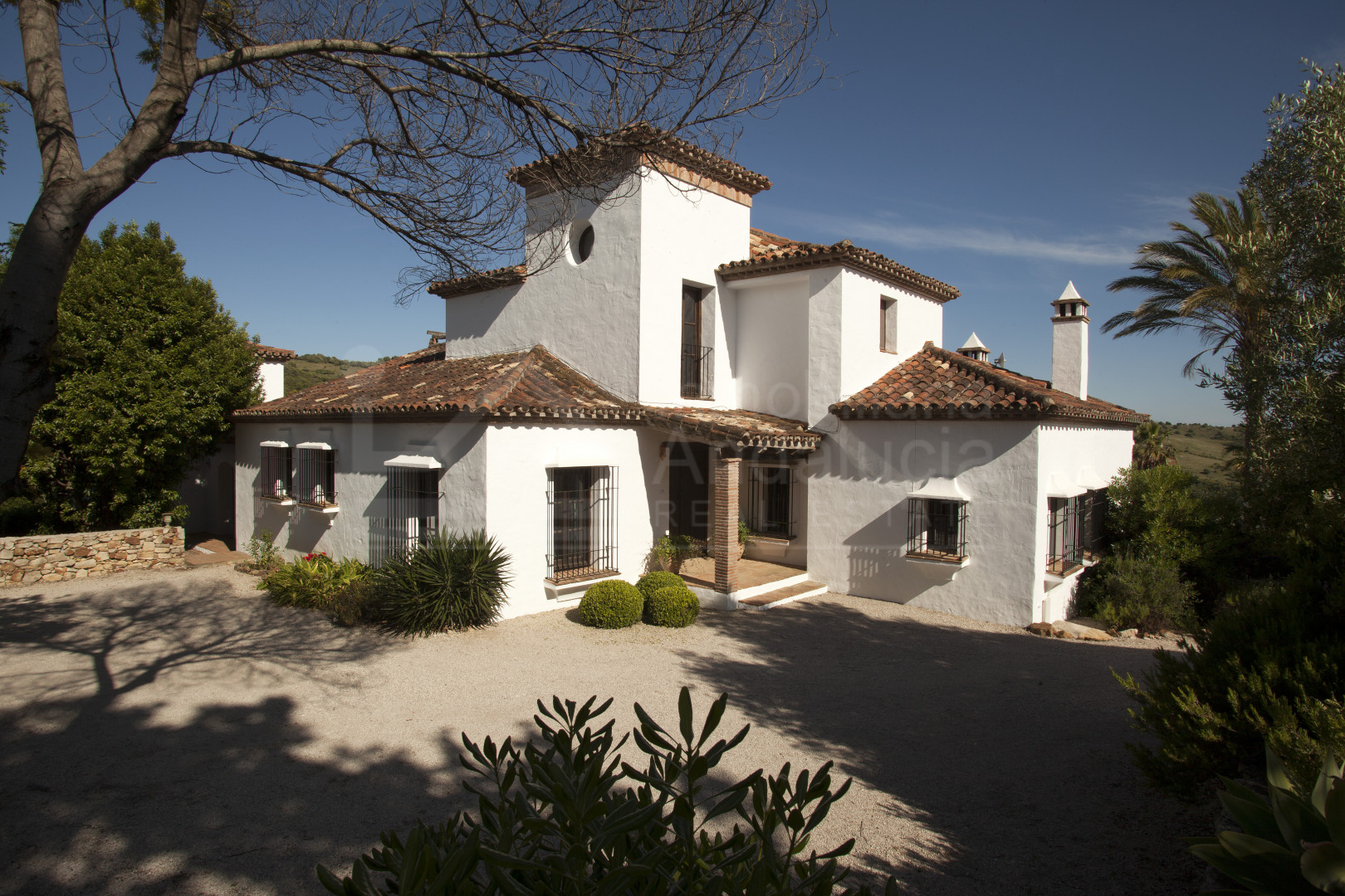 Gorgeous 5 bedroom country house for sale in private estate in Gaucin