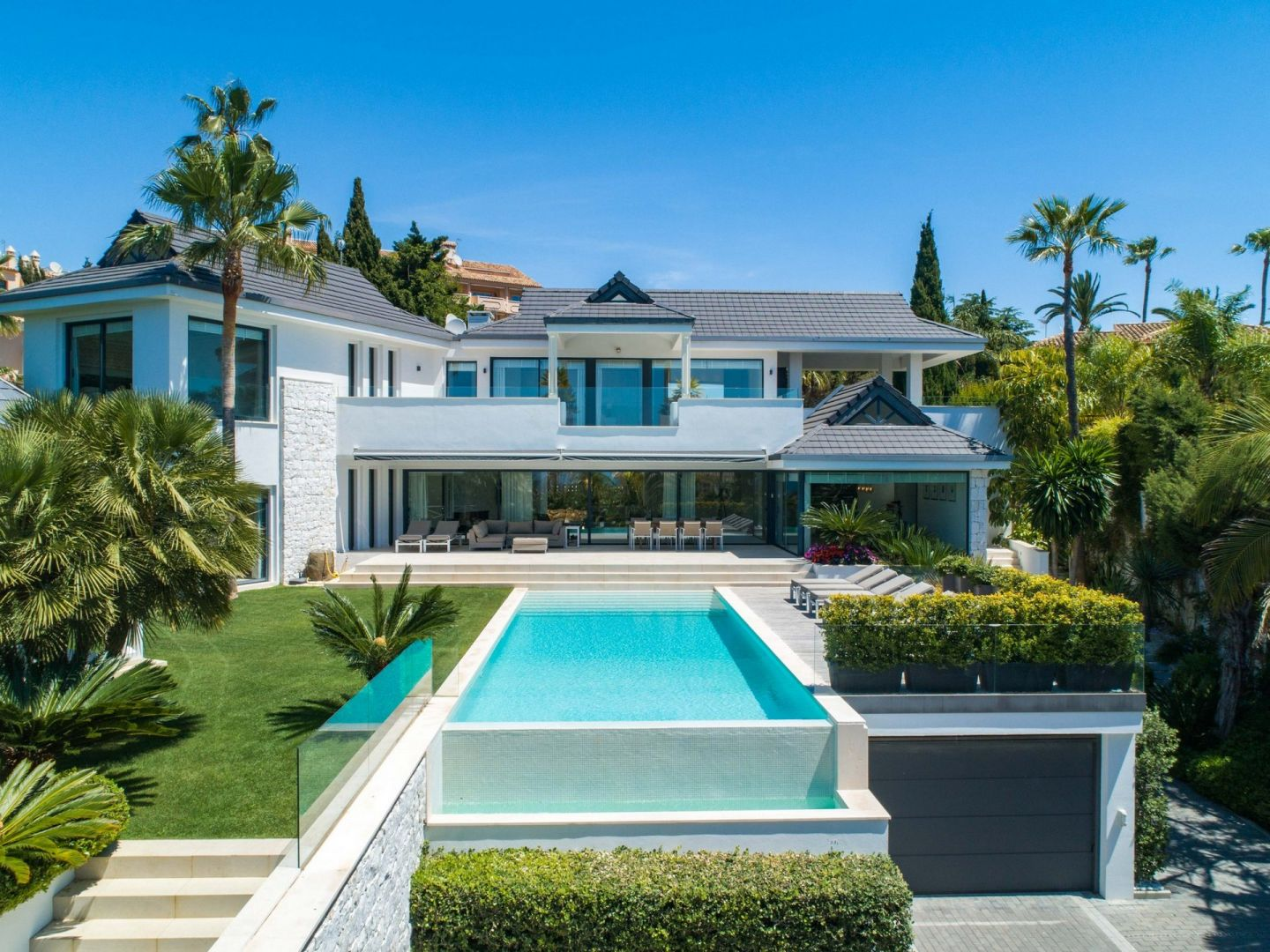Marbella Property: Luxury Villas and Apartments for sale