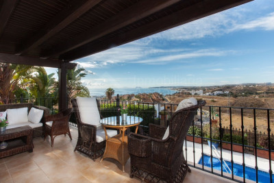 Estepona, 3 bedroom private villa with incredible sea views for sale in Seghers, Estepona
