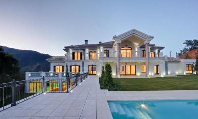 Benahavis, Brand new 7 bed modern style villa for sale in La Zagaleta Benahavis
