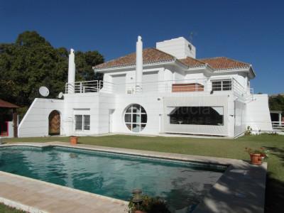 Benahavis, 4 bed villa with great views for sale in Puerto del Capitan, Benahavis