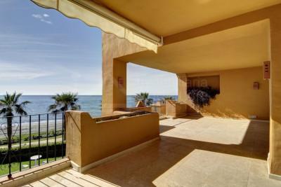 Estepona, Quality 3 bedroom 1st floor apartment for sale in Los Granados del Mar, Estepona