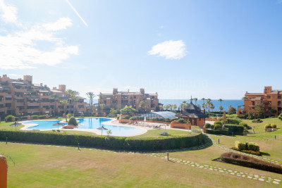 Estepona, Modern two-bedroom first floor apartment, south-facing with gorgeous sea views for sale in Los Granados del Mar, Estepona