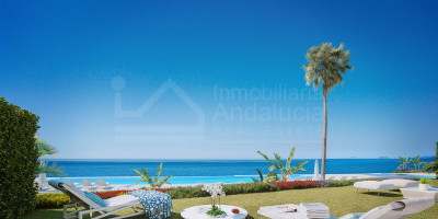 Estepona, Brand new three-bedroom apartment for sale in a new frontline beach complex situated in the New Golden Mile