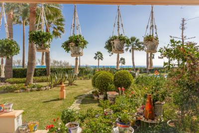 Casares, Enjoy the sea breeze from this stunning front line beach 2 beds In La Perla de La Bahía