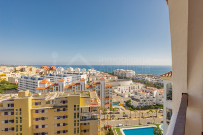 Estepona, 2 bedroom apartment with impressive views to the sea and mountains in Puerto Blanco- Estepona