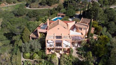 Estepona, Idyllic 4-Bedroom Country House with Impressive sea Views