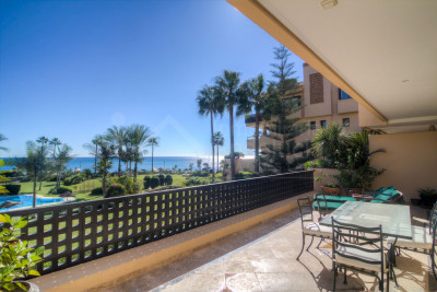 Estepona, Three-bedroom first floor south facing apartment with panoramic sea views for sale in Costalita del Mar, Estepona