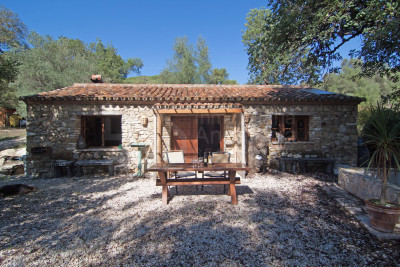 Gaucin, 2  bedroom stone and wood built country cottage for sale in Genal Valley, Gaucin