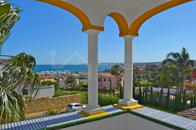 Estepona, 4-bedroom villa with stunning coast views for sale in Seghers, Estepona