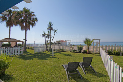 Estepona, 3 bedroom townhouse for sale by the beach in Entre Naranjos, Estepona