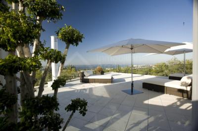 Marbella Golden Mile, Modern 4 bed 'Hybrid' apartment/villa for sale in Sierra Blanca Marbella