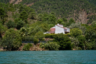 Istan, Truly unique 4 bedroom lakeside country house for sale in Istan