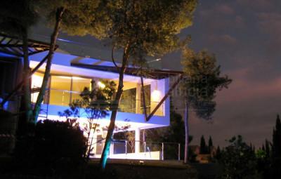 Marbella Golden Mile, Unique 'hybrid' apartment/villa for sale in Sierra Blanca Marbella