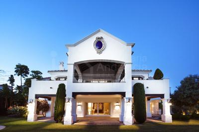 Benahavis, Villa a estrenar en venta en la deseable zona de La Alqueria Benahavis