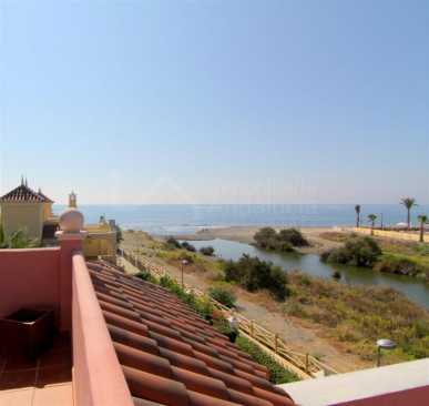 San Pedro de Alcantara, Gorgeous 5 bedroom beach villa for sale in San Pedro de Alcantara