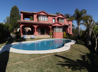 San Pedro de Alcantara, 5 bedroom family villa for sale in Guadalmina Alta San Pedro Alcantara