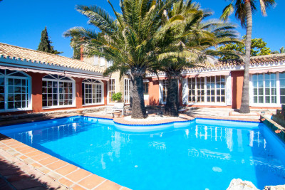 Estepona, Unique 4 bedroom villa with watchtower for sale in Seghers Estepona