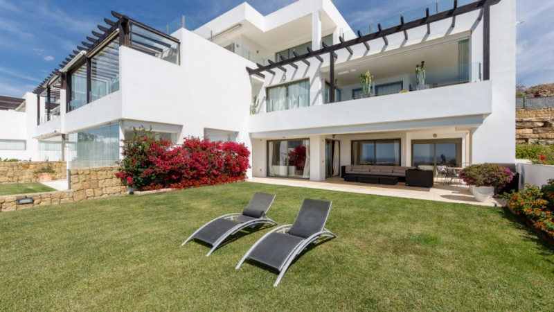 Ground Floor Apartment in Benahavis