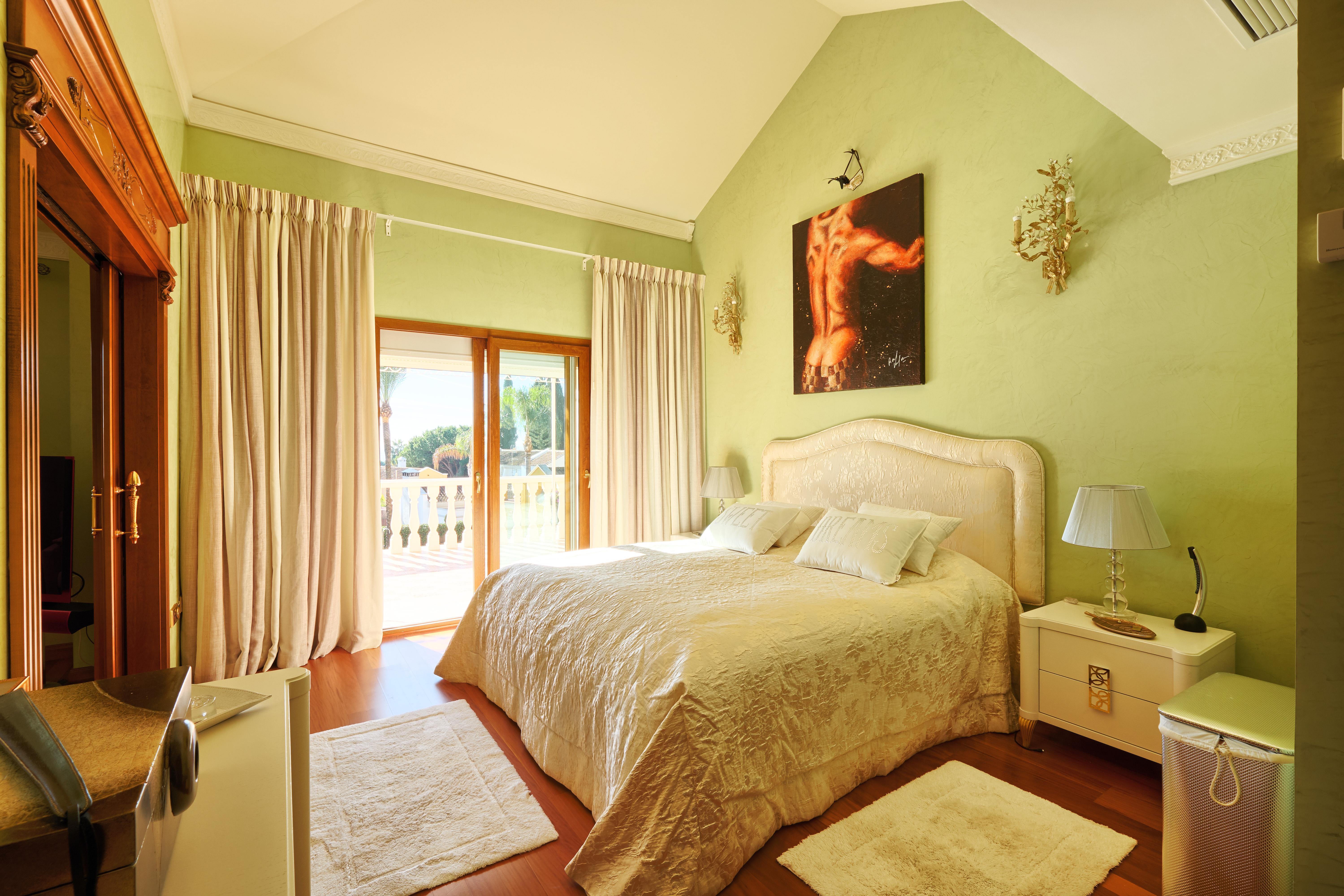 Villa In Roc 237 O De Nag 252 Eles Marbella Golden Mile Kssir