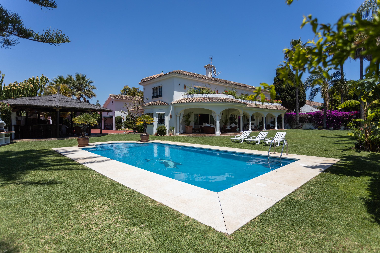 Villa in Casasola