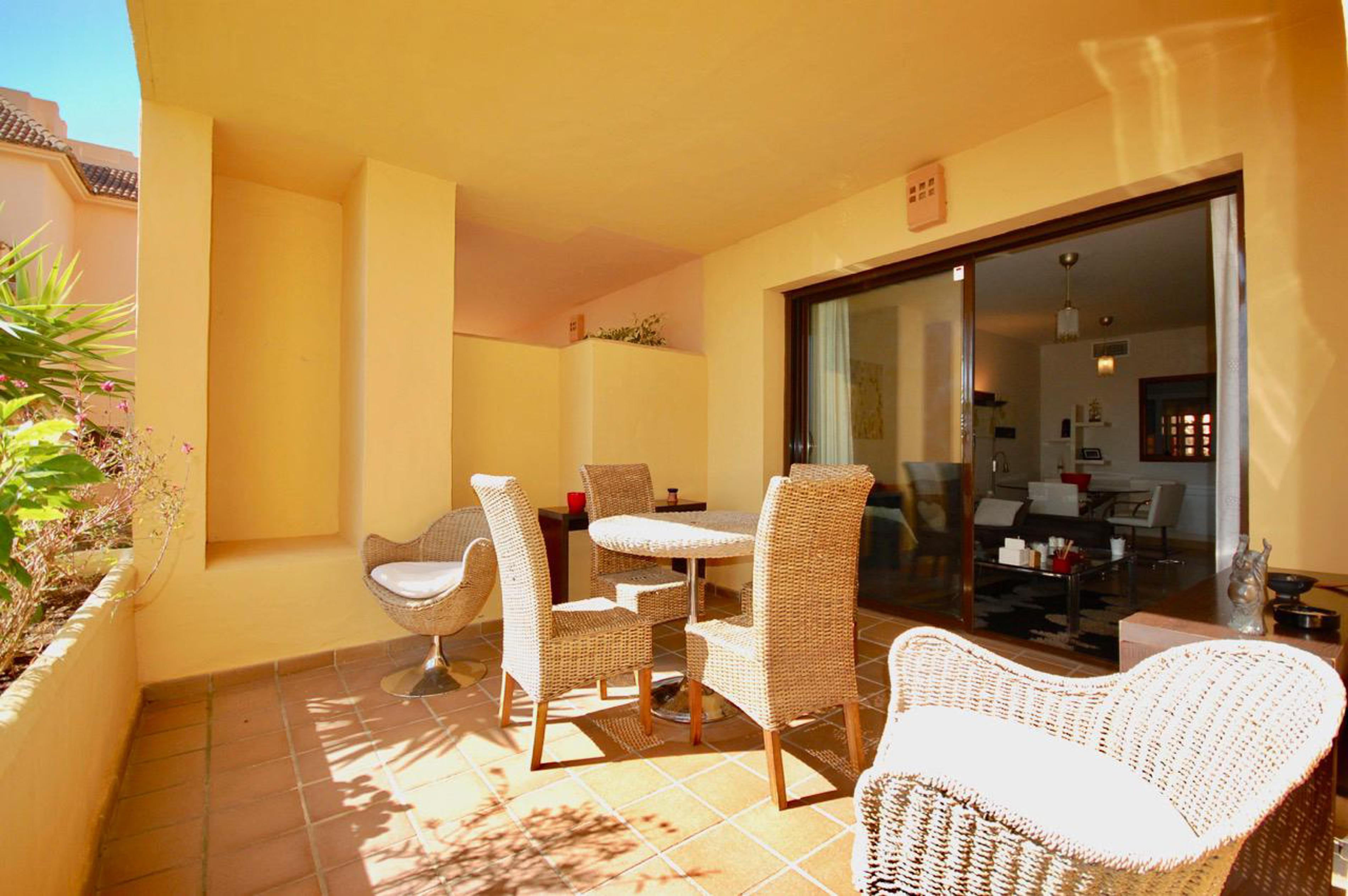 Apartment in Duquesa Village