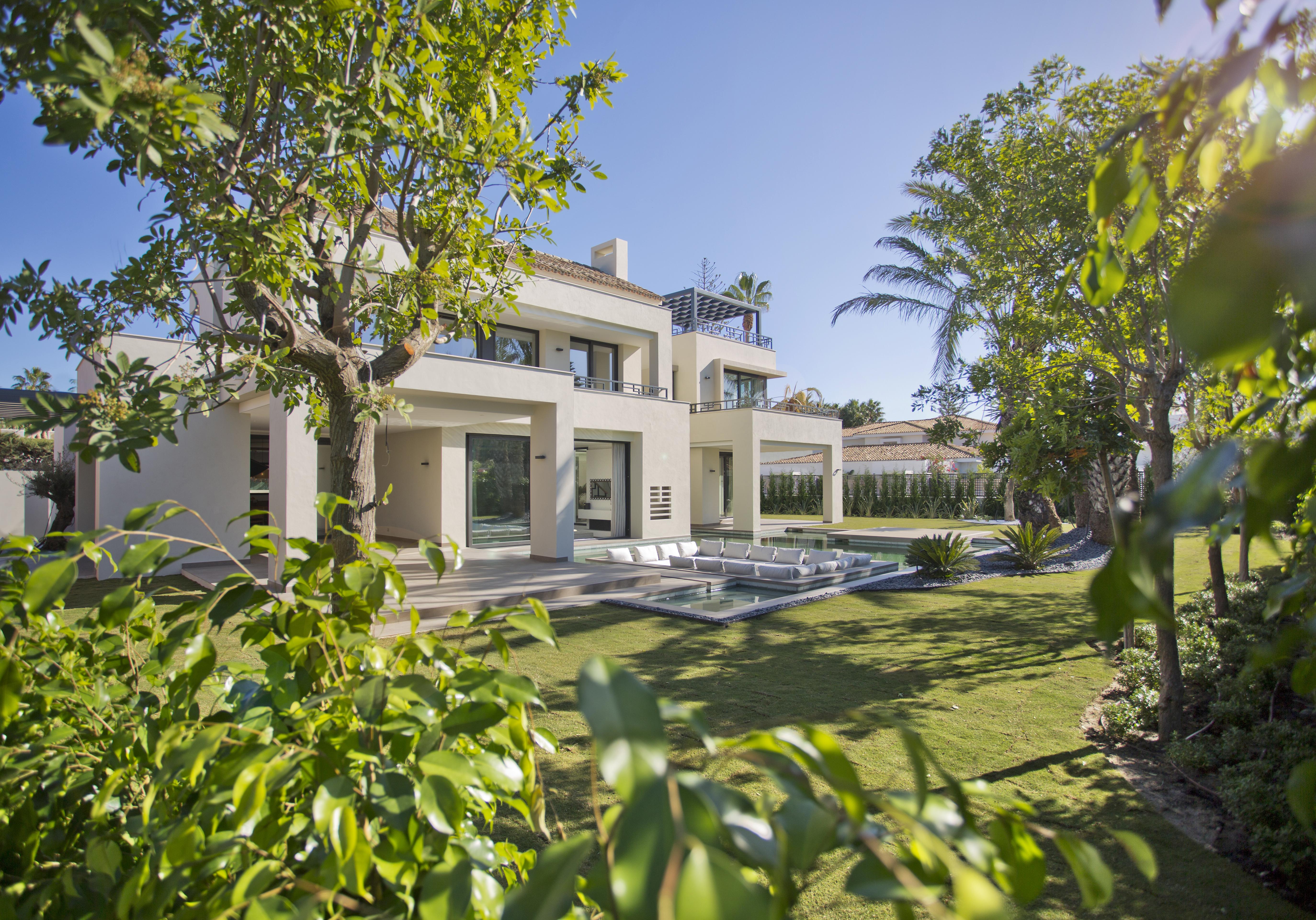 359-00179P: Villa in Estepona