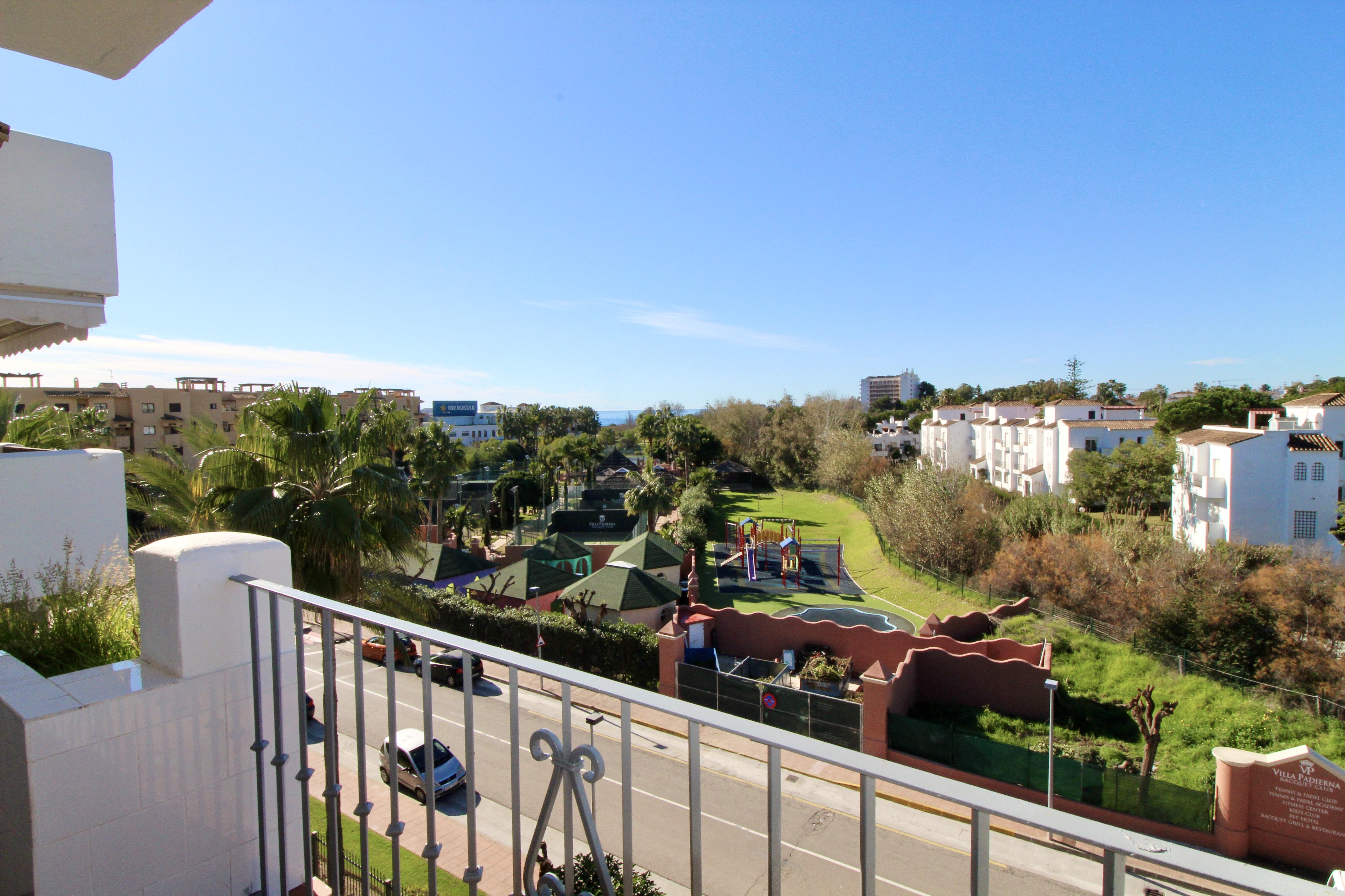 359-00178P: Apartment in Estepona