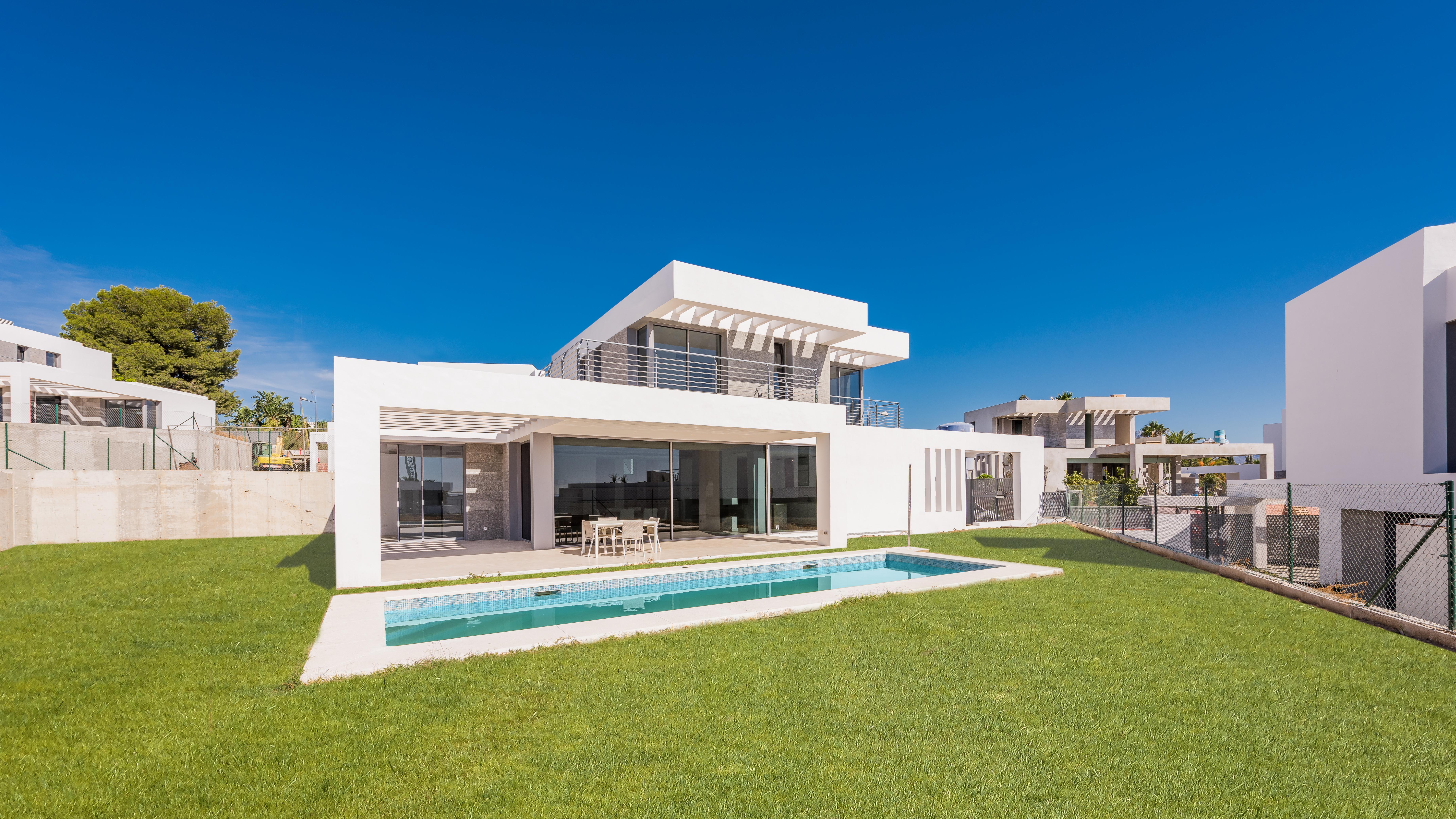 359-00151P: Villa in Estepona