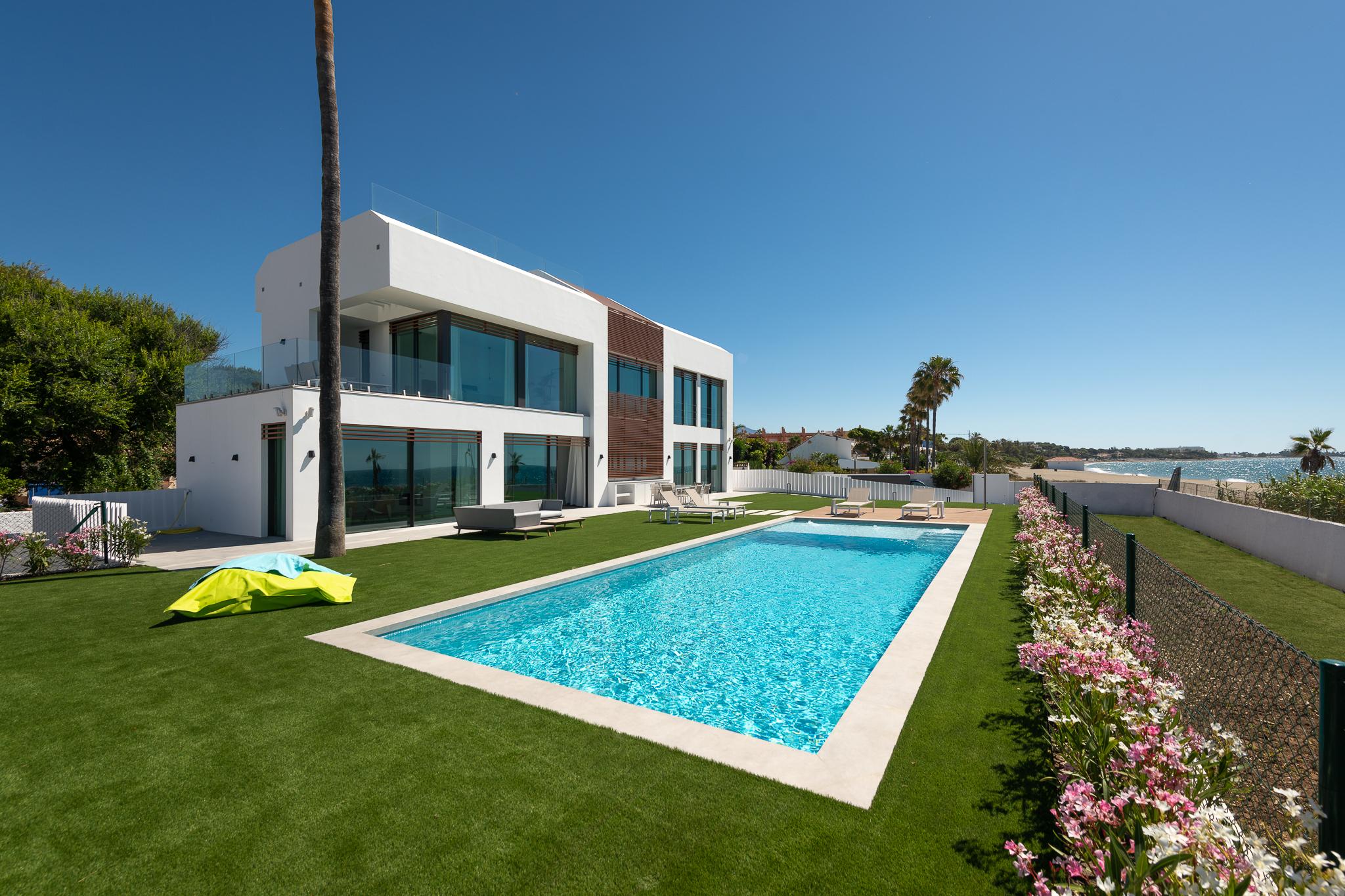 359-00013P: Villa in Estepona