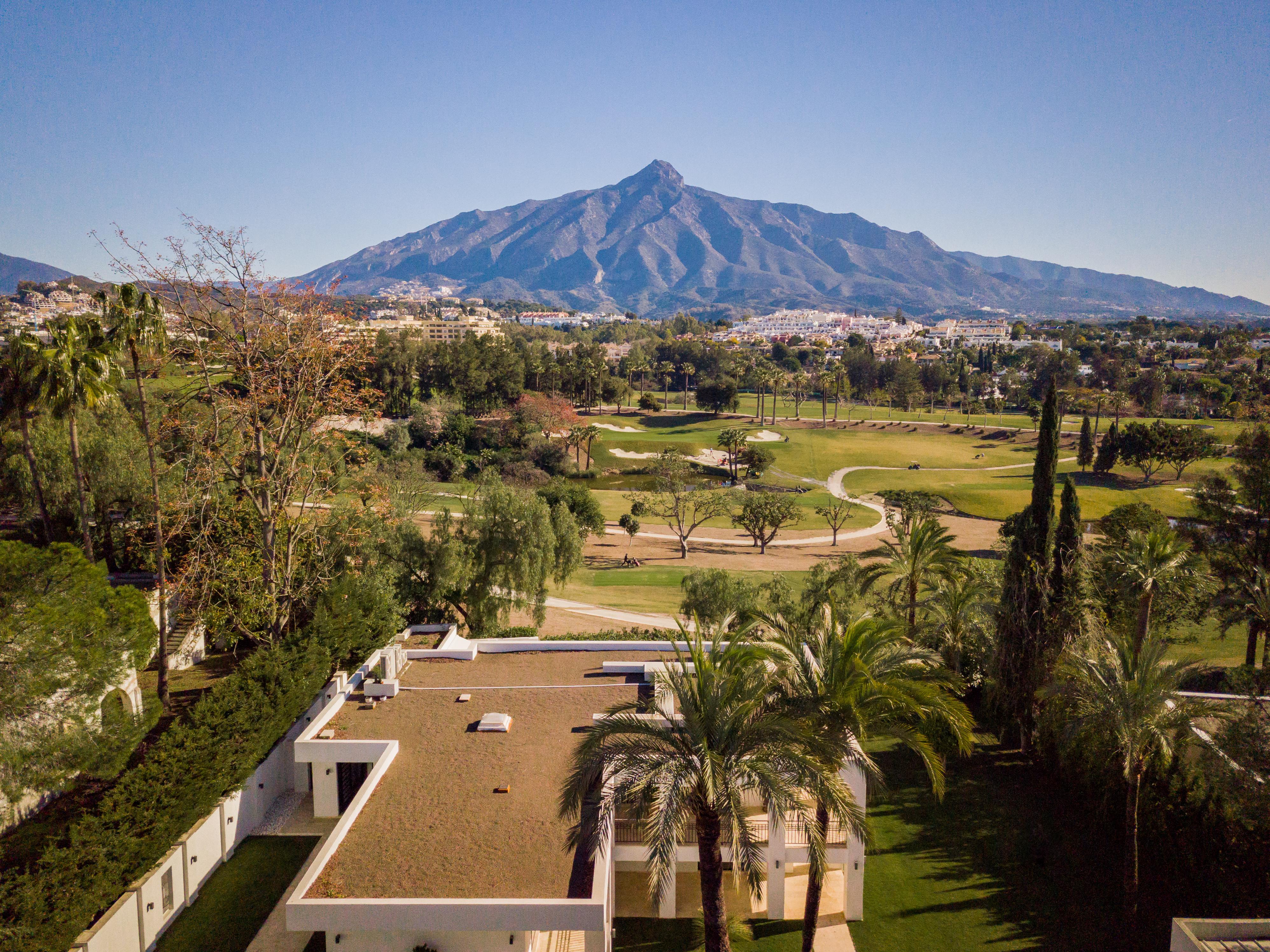 359-00079P: Villa in Marbella