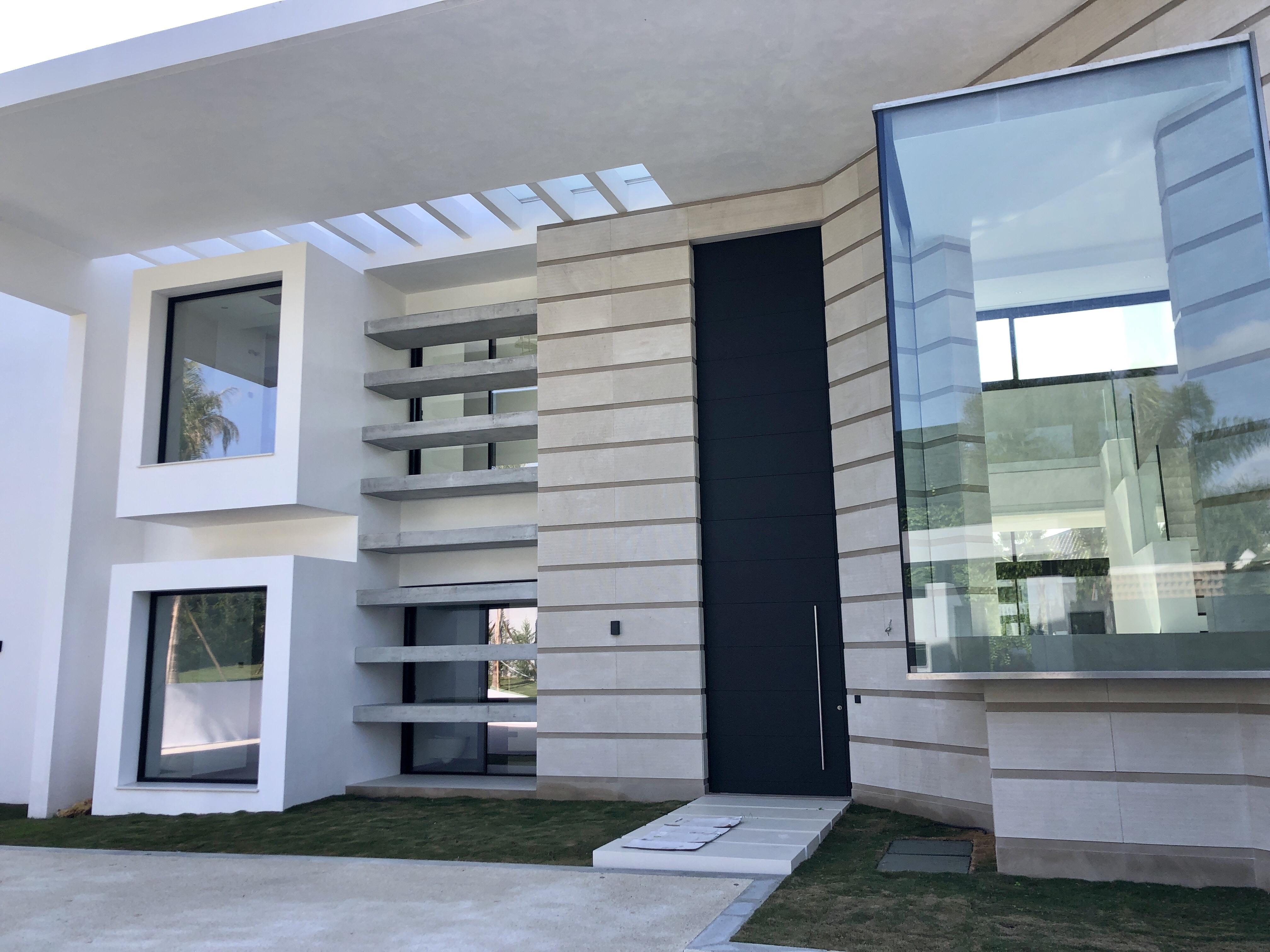 LUX0306A: Villa in San Pedro de Alcantara