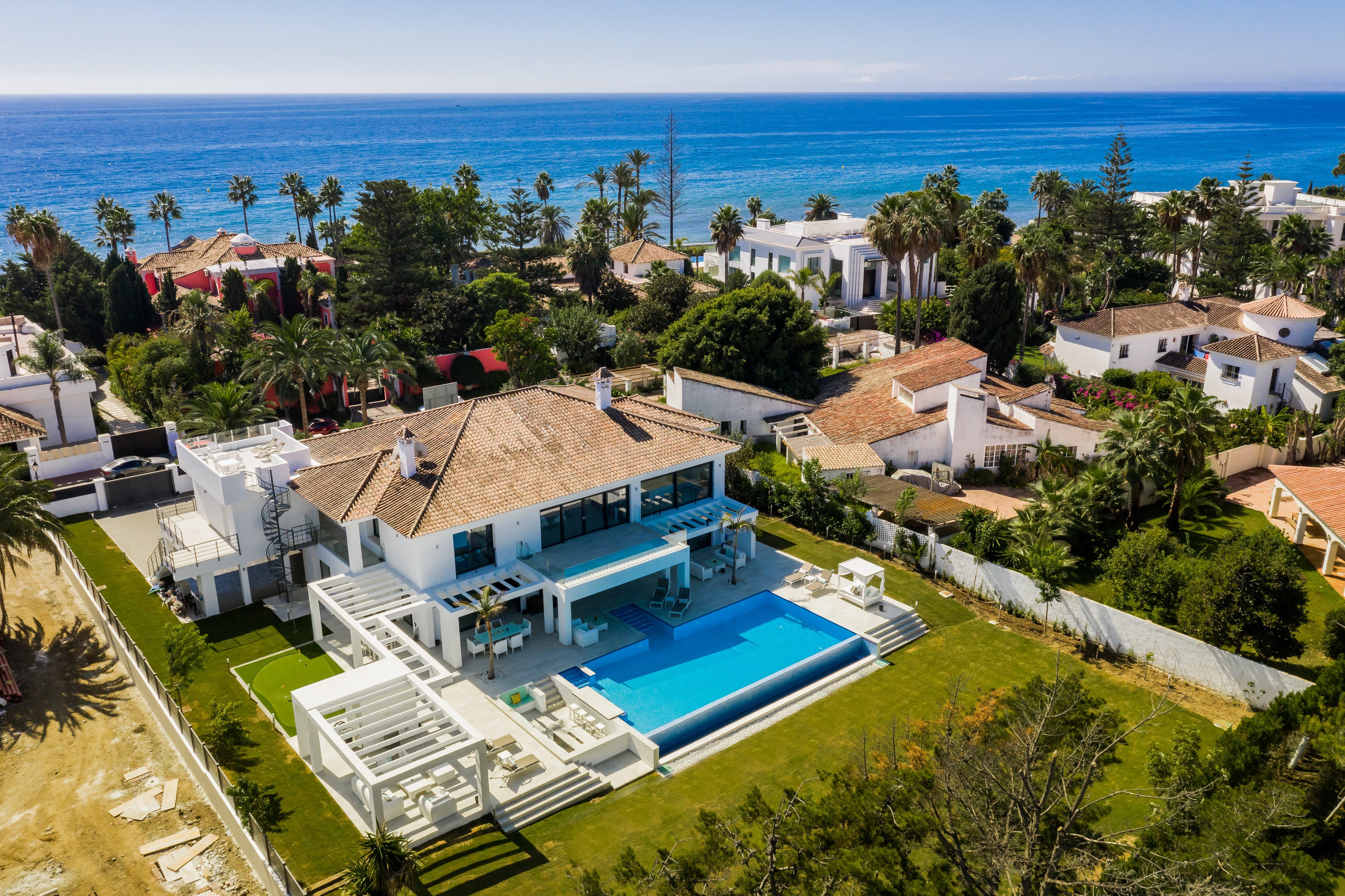 359-00091P: Villa in Estepona