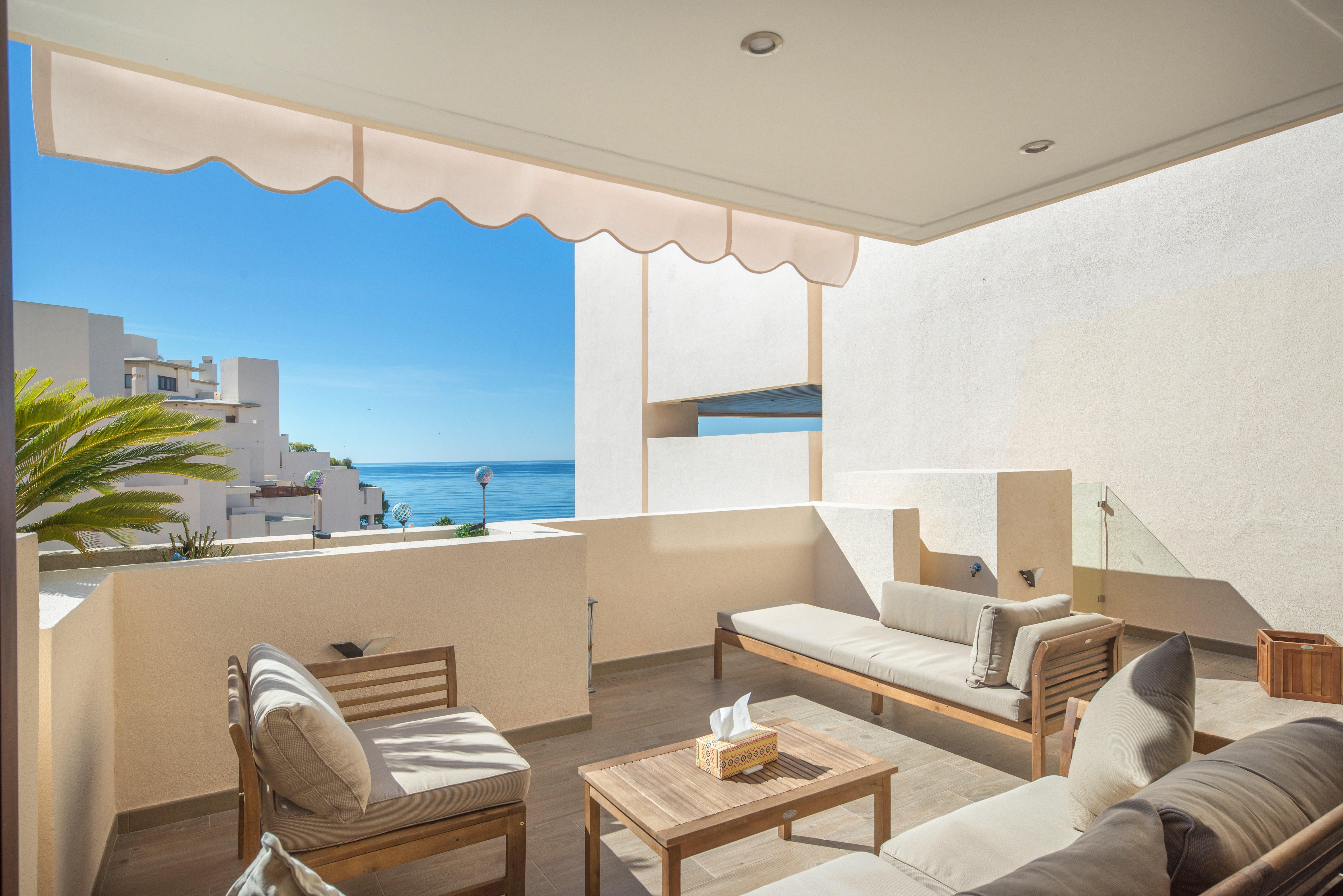 Ref:359-00089P Penthouse For Sale in Estepona