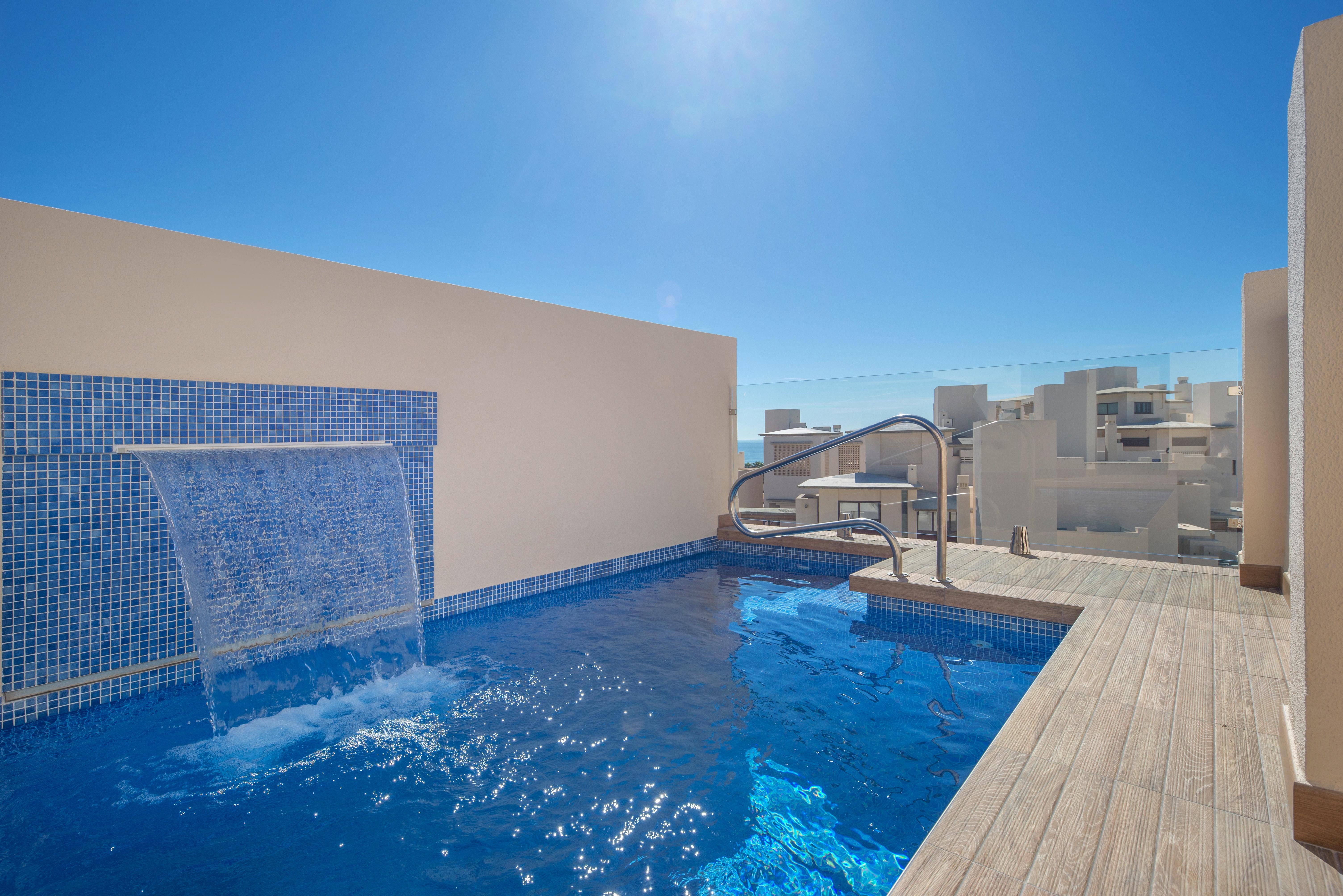 359-00089P: Penthouse in Estepona