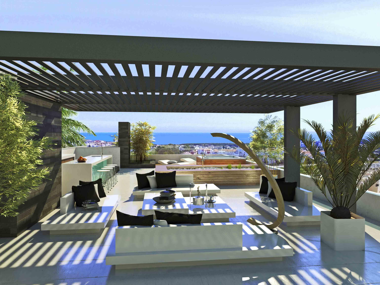 LUX0237: Villa in Estepona