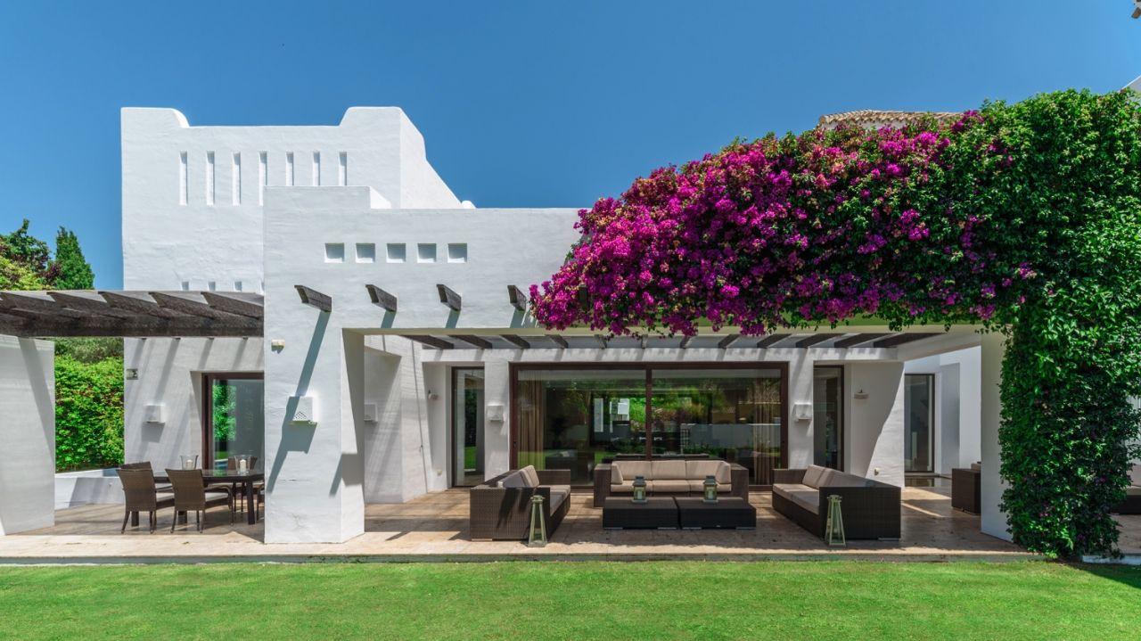 Ref:LUX0271 Villa For Sale in San Pedro de Alcantara